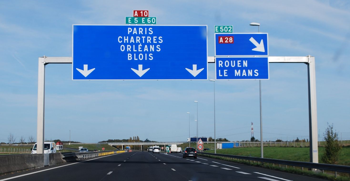 Francezii vor să introducă o nouă taxă pentru camioanele străine