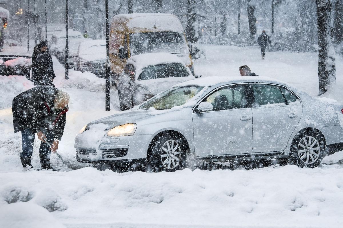 Europa: Alertă de trafic din cauza condițiilor meteo în mai multe ţări