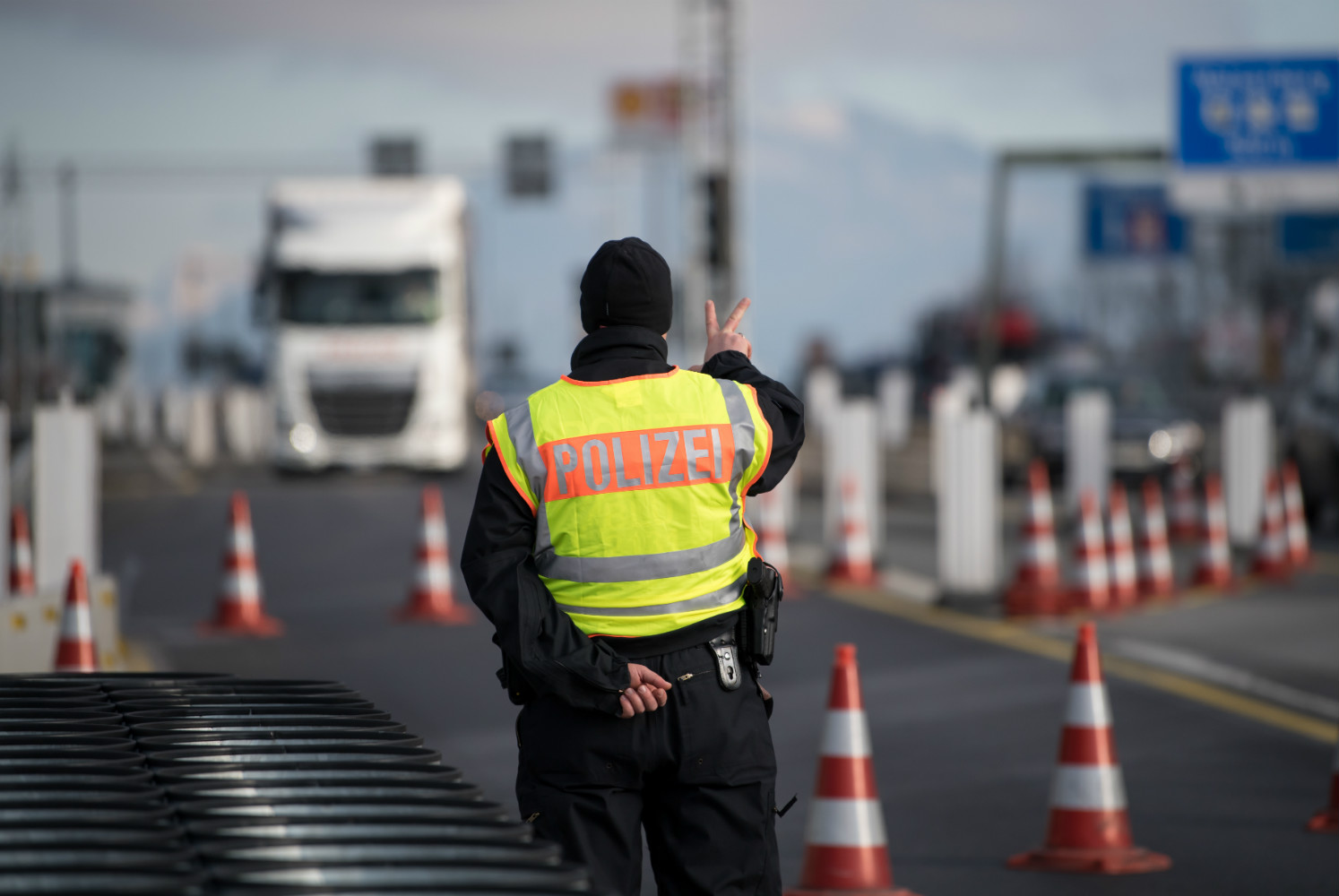 Austria extends border checks. Bavarians have a similar plan.