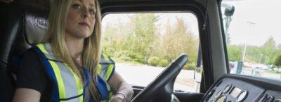 Как се справят жените като професионални шофьори